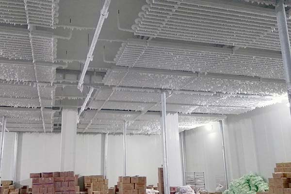 Direct cooling type cold room coils type