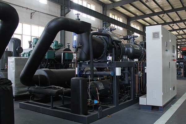Industrial Water Chiller With Screw Compressor Frontview