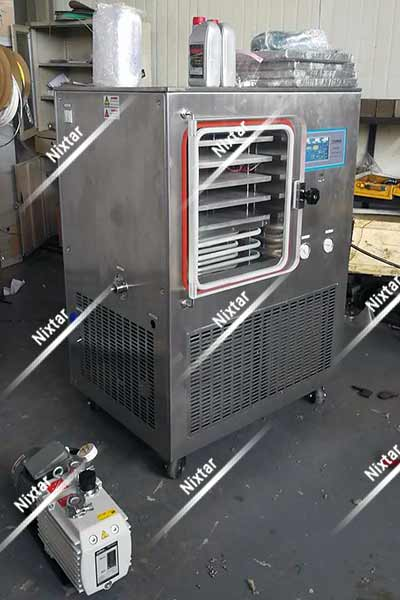 RD05 Freeze Dryer and Vacuum Pump