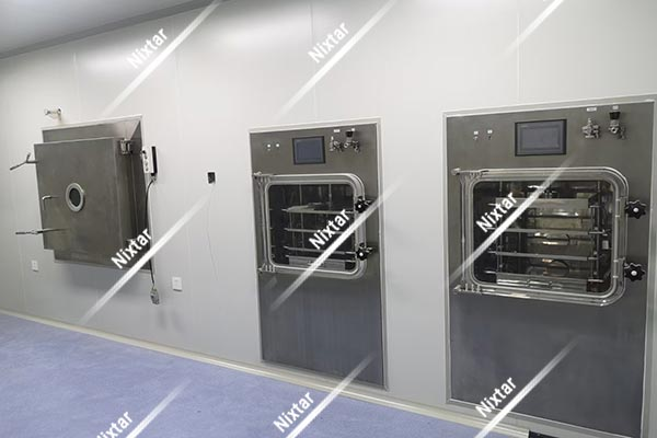 LYO5 Tray Freeze Dryer(Left) and RD05 Stoppering Freeze Dryer(Right)